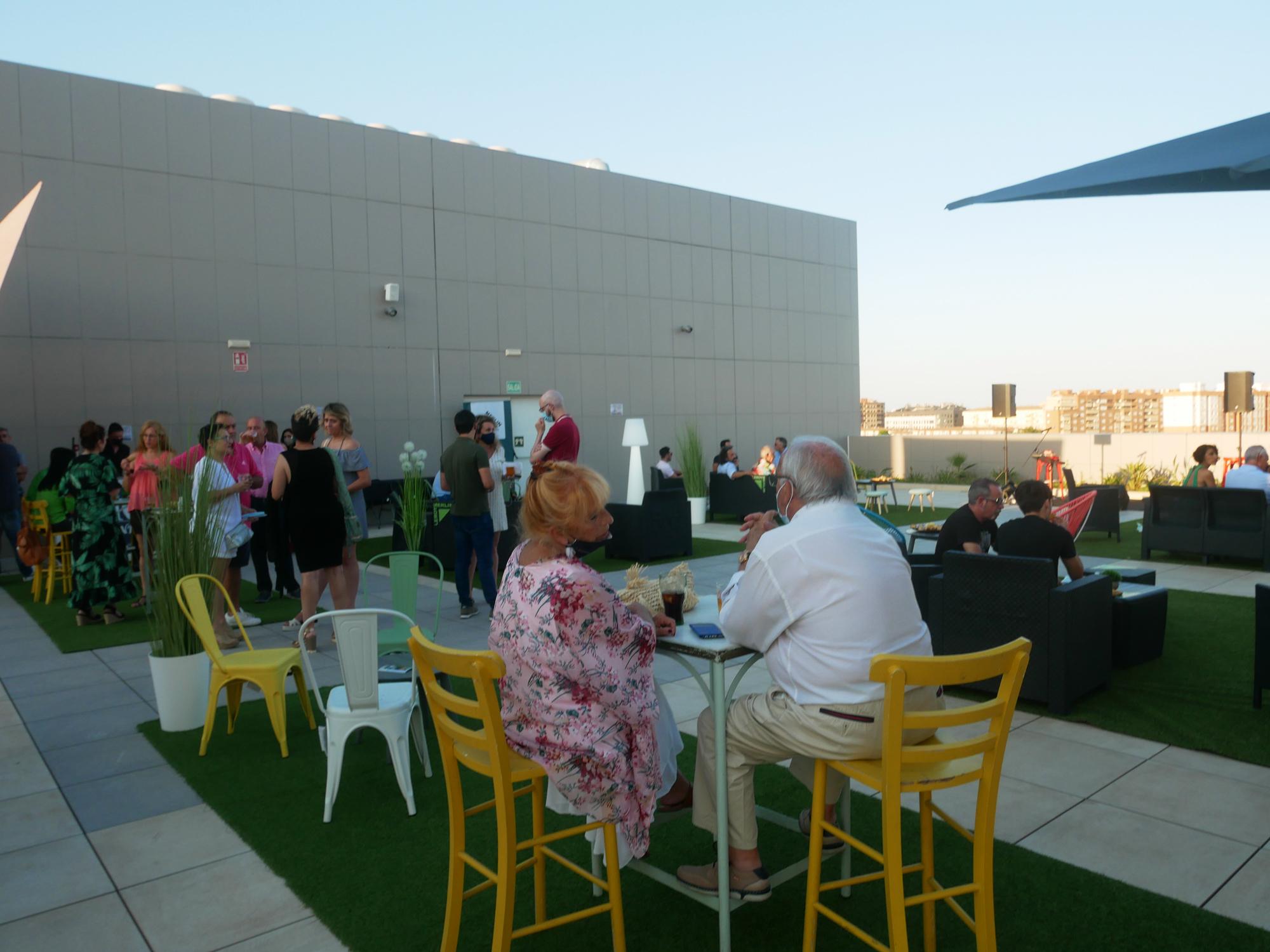 Estepark inaugura espacio: terraza de la planta 2